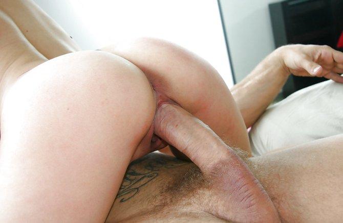 Небритый хуй в пизде, самый горячий секс с боссом