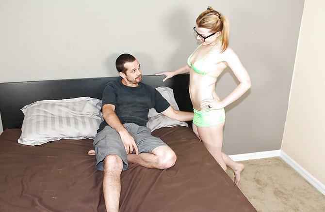 Старшая сестра учит брата сексу смотреть русское порно
