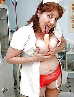 Фотографу нравятся в работе голые женщины врачи