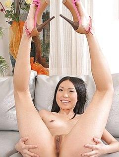 У сексапильной азиатки очень большая пизда