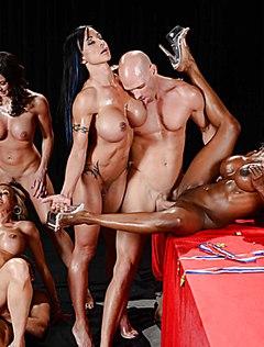 Массовая групповуха четырёх баб и двух мужиков