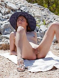Порно ебут бабу за совершение дтп