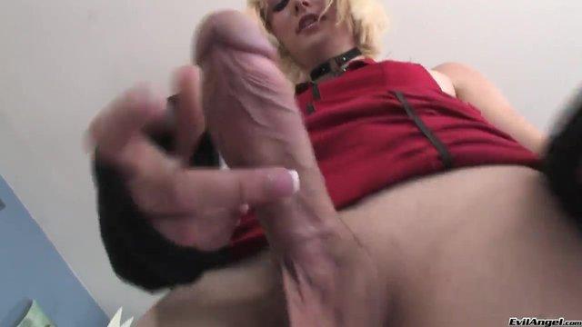 porno-eroticheskiy-devushki-drochat-svoyu-chlen-s-kayfom-transvestiti
