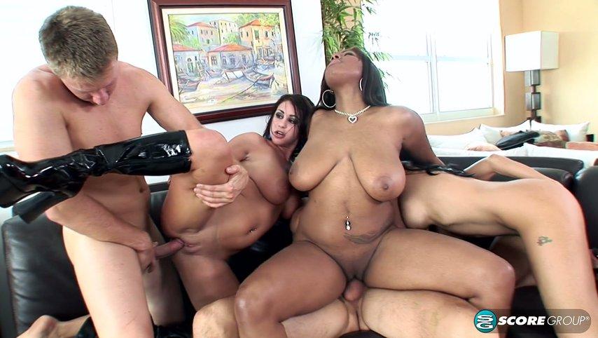 Секс в впятером