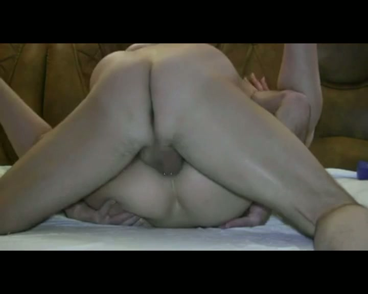 Любовник ебет в жопу жену, видео про секс на дне моря