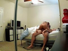Самец горячо ебется с молодой шкурой