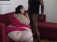 Очень жирная девушка досталась негру