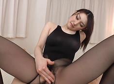 Студент вводит пенис в азиатку в колготках