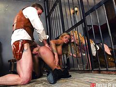 Шериф оттрахал блондинку огромным фаллосом