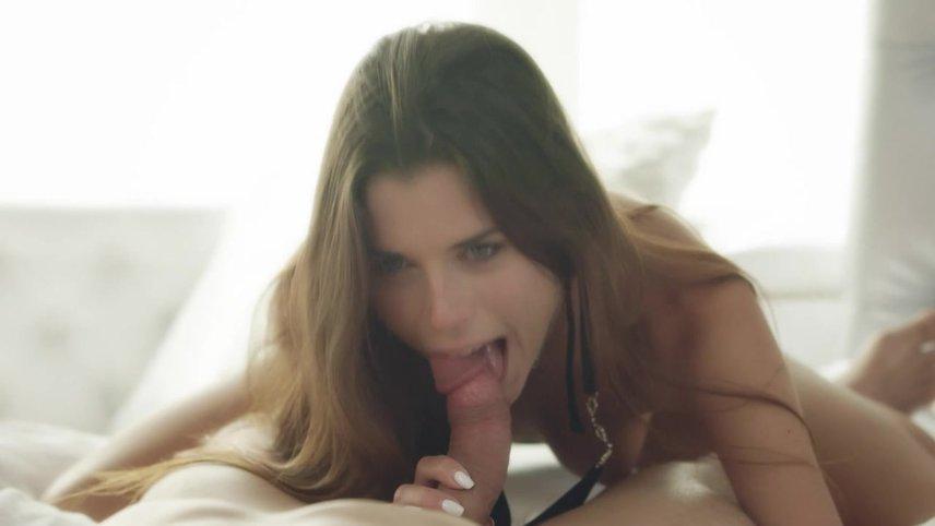 Привел Брюнетку Домой Потрахаться Порно И Секс Фото С Красивыми Девушками