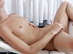 Нежная русская телка хочет секса