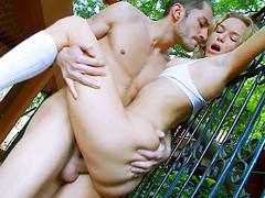 Русские любовники ебутся в парке