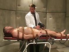 Рыжий доктор выебал пациента